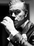 Een foto van de lookalike van George Clooney
