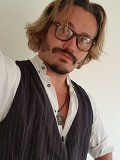 Een foto van de lookalike van Johnny Depp