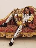 Een foto van de lookalike van Michael Jackson