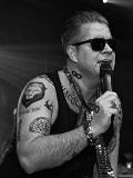 Een foto van de lookalike en imitator van  Robbie Williams