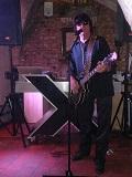 Een foto van de lookalike van Roy Orbison