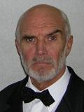 Een foto van de lookalike van Sean Connery