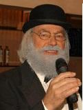 Een foto van de lookalike van Vader Abraham